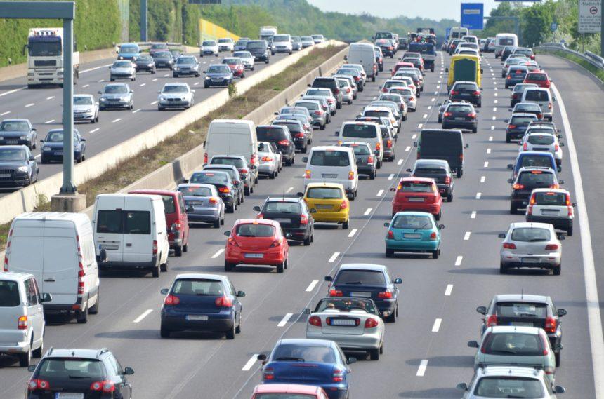 4t車の高速代って大体いくら?下道と合わせて運賃を安く抑えるポイント