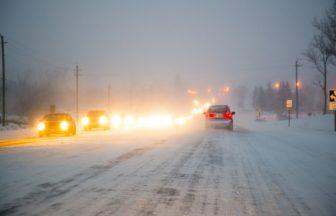 4t車で立ち向かう天災。地震や凍結の非常時に備える対策法とは